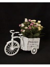 Колело с изкуствени цветя